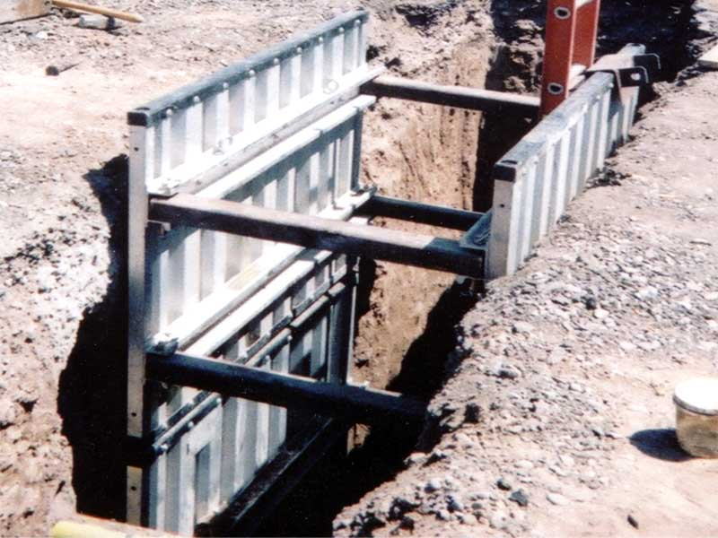 Aluminum Shoring Post : Hydraulic alum a shield